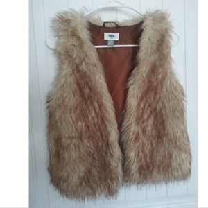 Girls Old Navy Fur Vest size 10-12 L